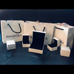 Pandora jewelry box 📦